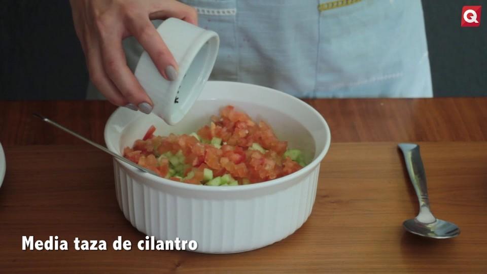 Paola Dávila – Aguacate rellenos de tapule de quinoa – 28 noviembre 2017 – COCINA