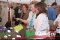 Cristina dando un tour a Maricela Castañón.