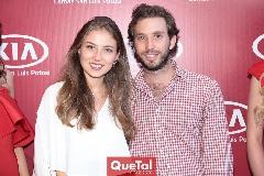 Elizabeth Treviño y Andrés Torres.