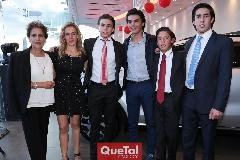 Carmelita Torres, Mónica Torres, Óscar, Jaime y Juan Pablo Ruiz y Rubén Torres.