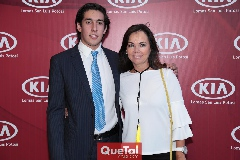 Rubén Torres y Elsa Tamez de Mahbub.