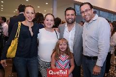 Marcela Guevara, Jessica Torres, María Paula y Tomás Salazar y David García.
