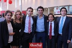 Carmelita Torres, Mónica Torres, Oscar, Jaime y Juan Pablo Ruiz y Rubén Torres.