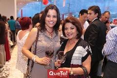 Adriana Cabrero y Alicia de Cabrero.
