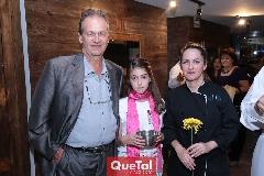 Carlos Basáñez, Karla y Fabiola Meraz.