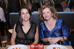 Claudia González y Carmen Pinedo.