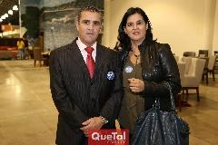 Eduardo Gómez y Cynthia Sánchez .