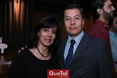 Gaby Salinas y José Dimas.