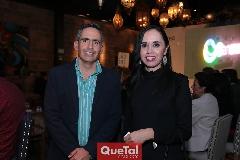 Arturo Hinojosa y Tere Araujo.