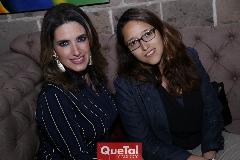 Eva María Camacho y Denisse Mendoza.