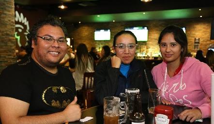 Sergio, González, María Ramírez y Laura Hernández .