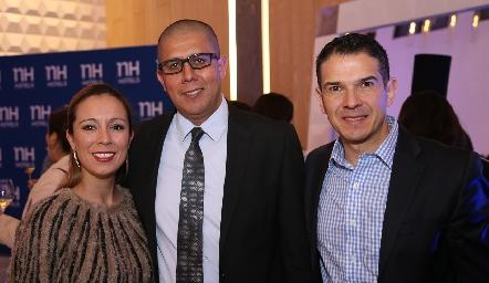Viviana Guerrero, César Maya y Juan Carlos Reus.