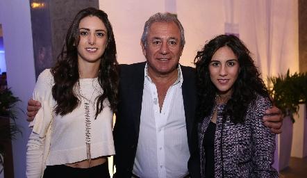 Catalina, Fernando e Irasema Abud.