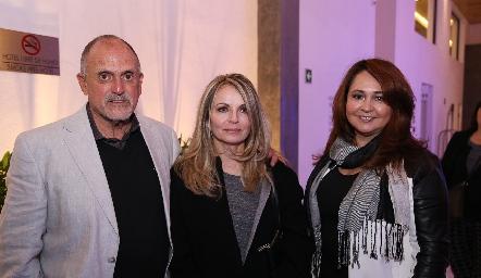 Jesús Andere, Constance Jones y Omayra Treviño.