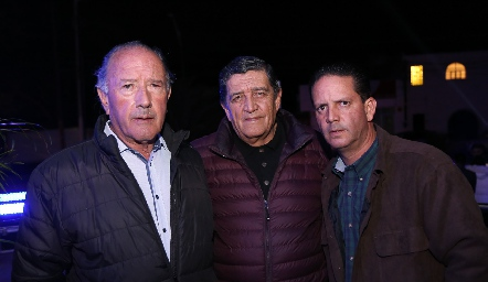 Javier Meade, Gustavo Sandoval y Gustavo Sandoval.