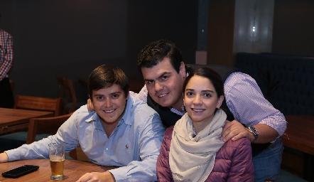 Aurelio Cadena, Mauricio Labastida y Sofía Álvarez.