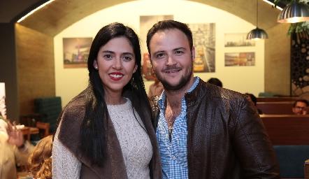 Silvia Araiza y Marco César.