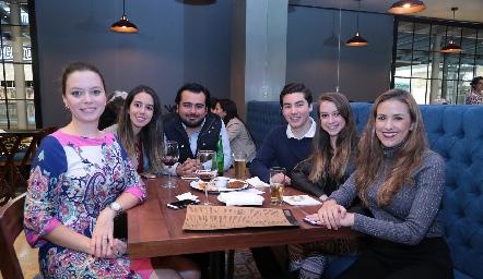 En la inauguración de Mercatto Cocina Urbana & Bar.