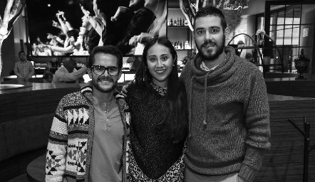 Eder Elizondo, Maleny Ávila y Froylan Moiroud.