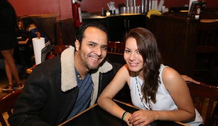 Joel Martínez y Mariana Loredo.