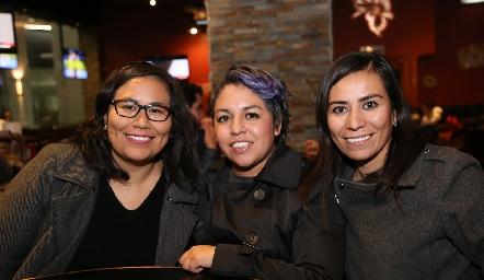 Nancy Alvarado, Kesia Guerrero y Blanca Alvarado.