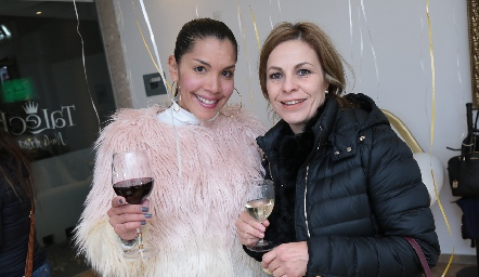 Maryalex AGuinand y Marcela González.