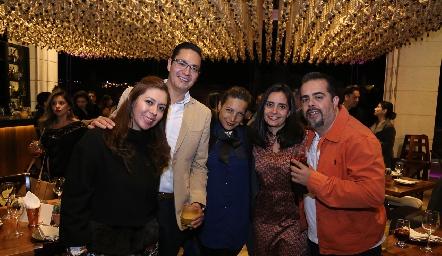 Michel de Leal, César Leal, Ruth Duarte, Marilú Palacios y Juan Arredondo.