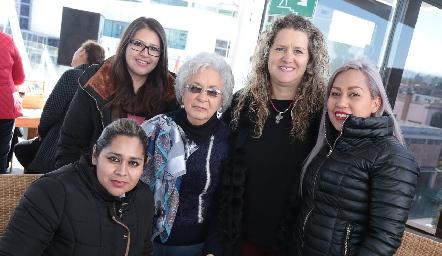 Un gran equipo de mujeres.