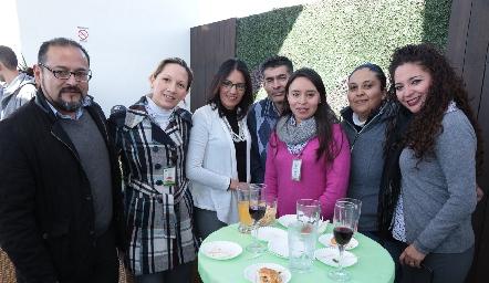 Felipe Torres, Laura Chávez, Sandra Suárez, Lisandro Gómez, Edith Linares, Sofía Lagunillas y Noemí Barrera.