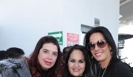 Marcela Zavala, Jessica Rueda y Liliana Otero.