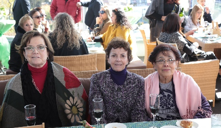 Martha Pizzuto, Blanca Rosa Gutiérrez y Angelina Montelongo.