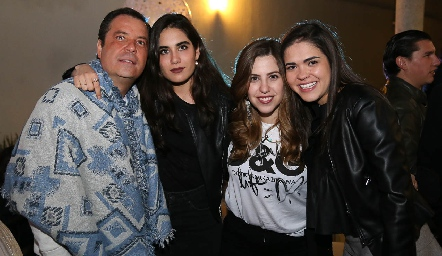 David Lozano, Mariana Rodríguez, Pau Robles y July Valle .