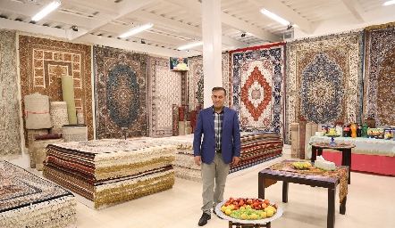 Inauguración Tapetes Samadi, Hossein Samadi .