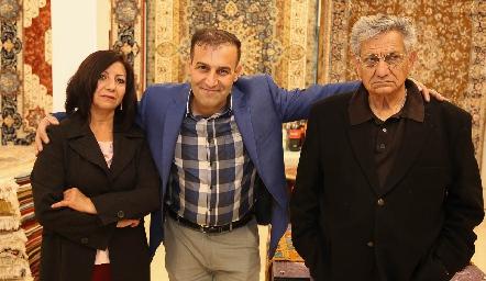 Rosa Pérez, Hossein Samadi y Roberto Reyes.