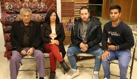 Roberto Reyes, Rosa Pérez, Enrique Figueroa y Juan Gerardo.