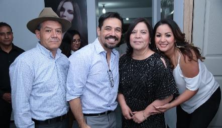 Hipólito Cano, Paco Benítez, Fabiola Mejorada y Bety Saldaña.