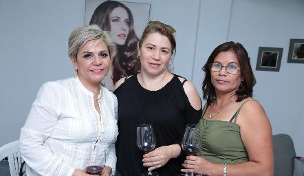 Martha Olivo, Martha Aramburu y Silvia Rodríguez.