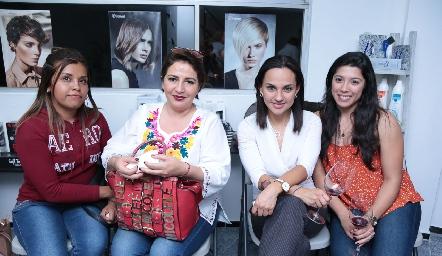 Rocío Ortiz, Linda Soriano, Thalía Torres y Marisela Torres.