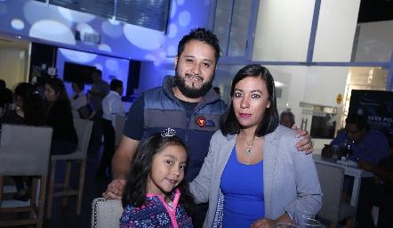 Ximena, César y Karina.