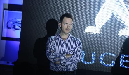 Tito Herrera.
