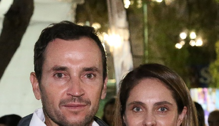 Patricio Quijano y Viviana Navarro de Fernández.
