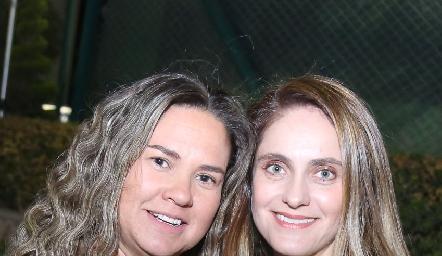 Daniela Benavente y Viviana Navarro.