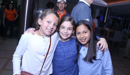 Melisa, Cayetana y Marijó.