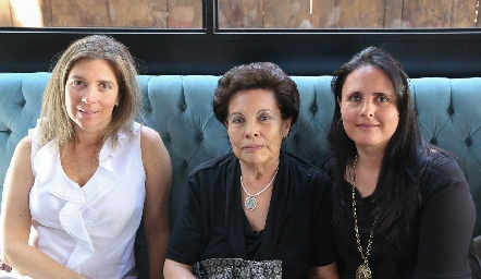 Jessica Villareal, Tere de Ascanio y Mayte Ascanio.