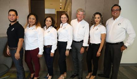 Abraham Moreno, Mary Vega, Mary Carmen Guevara, Erika Arceo, Fernando Barrios, Rocío Guerrero y Raúl Amezcua.