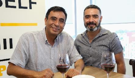 Moisés Caballero y Carlos Salinas.
