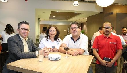 Ángel Cabrera, Mary Carmen Guevara, Salvador Mariscal y Alfredo Ocaña .