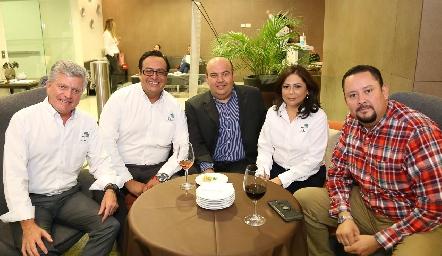 Fernando Barrios, Raúl Amezcua, Eduardo Coronel, Mary Carmen Guevara e Iván Silva .