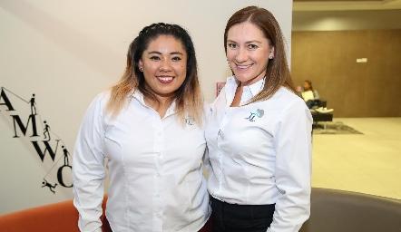 Mary Vega y Erika Arceo.
