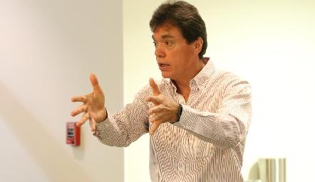 Alejandro Contreras.